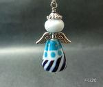 großer Engel in weiß/türkis/blau